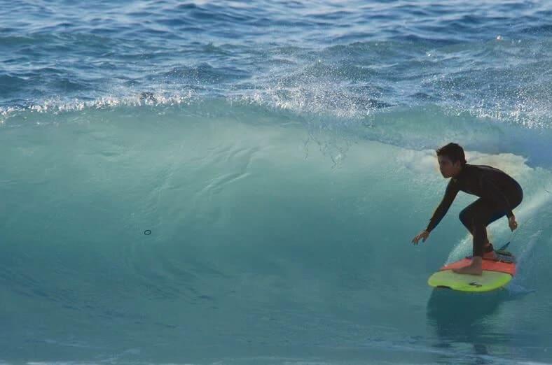 חוג גלישת גלים